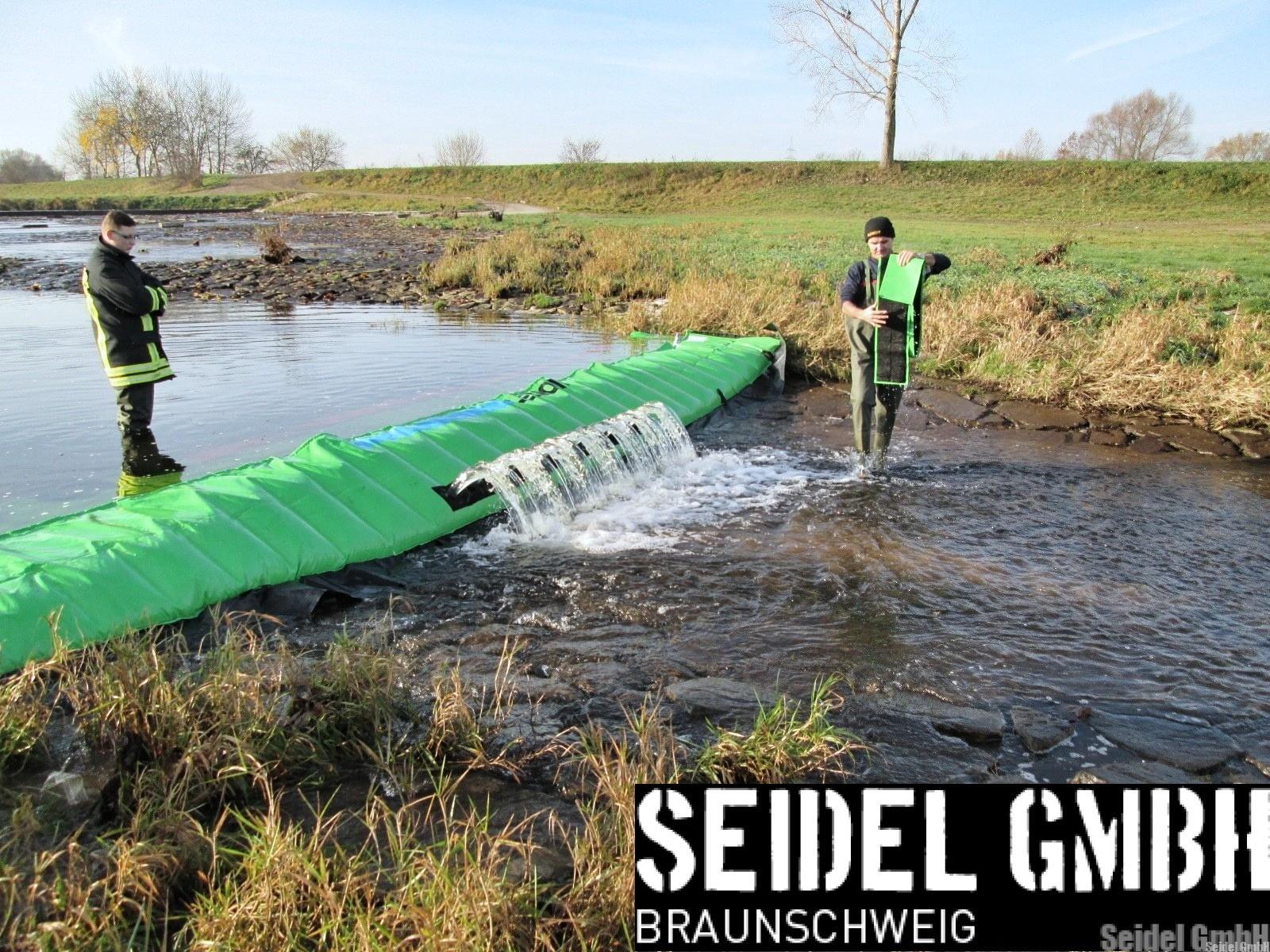 Umweltschutz durch den Einsatz einer LENOIR Wassersperre mit Auslassöffnungen zur Wasserstandsregulierung